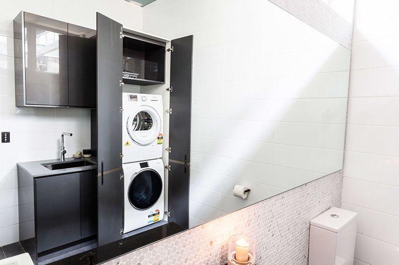 ¿Cómo esconder la lavadora?- Home Decor - Cuarto de baño