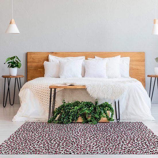 ALfombra Vinílica Pink Leopard dormitorio