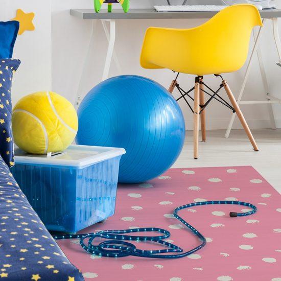alfombra vinílica infantil Polka Dots Outlet detalle escritorio