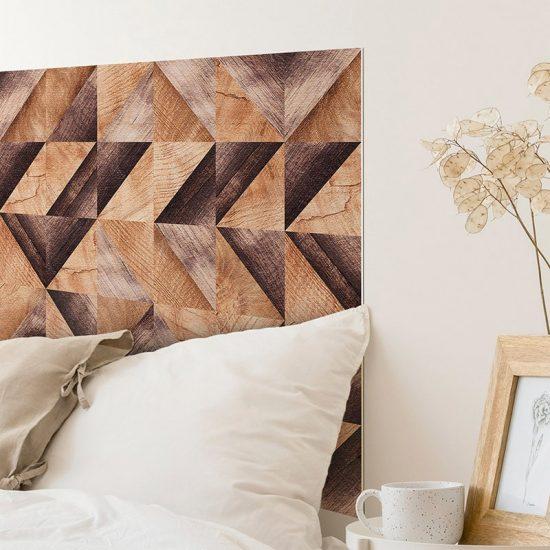 Detalle cabecero de cama de vinilo Brown Wood Triangles