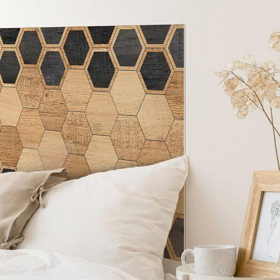 Detalle cabecero de cama de vinilo Hexagons Black Wood