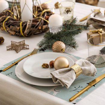 pack manteles y posavasos renos y árboles detalle mesa