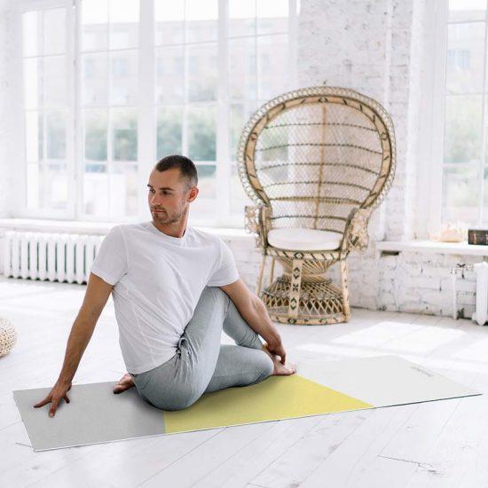 Yoga mat Triplex amarillo clase de yoga