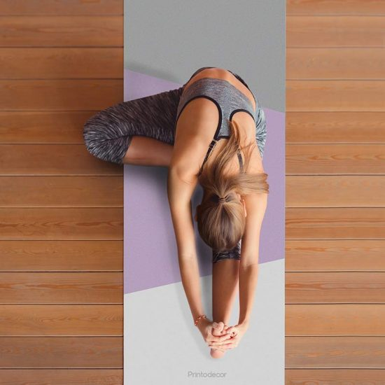 Yoga mat Triplex lila clase de yoga