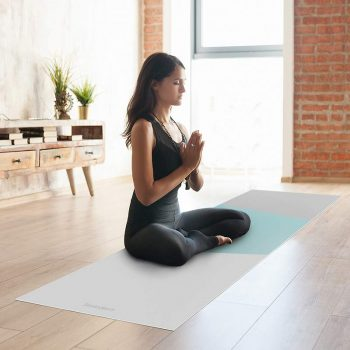 Yoga mat Triplex azul clase de yoga