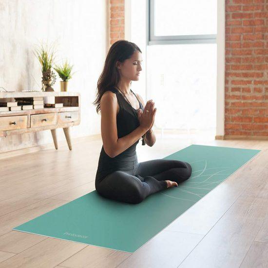 Yoga mat flor de loto clase de yoga