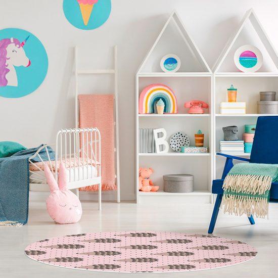 Alfombra vinílica infantil redonda Erizos rosa detalle habitación
