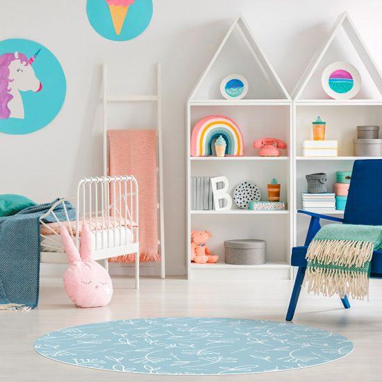 Alfombra vinílica infantil redonda plantas azul detalle habitación