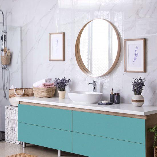 Vinilo decorativo azul baño