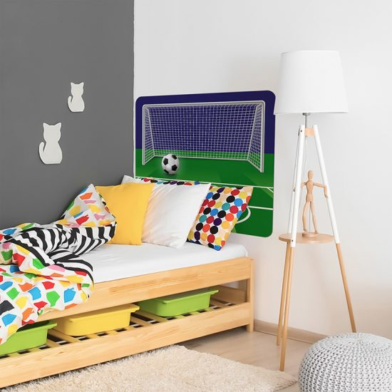 Habitación infantil cabecero de cama portería de futbol noche