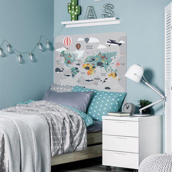 Habitación infantil cabecero de cama mapa del mundo gris