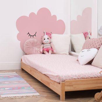 Habitación infantil cabecero de cama nube rosa